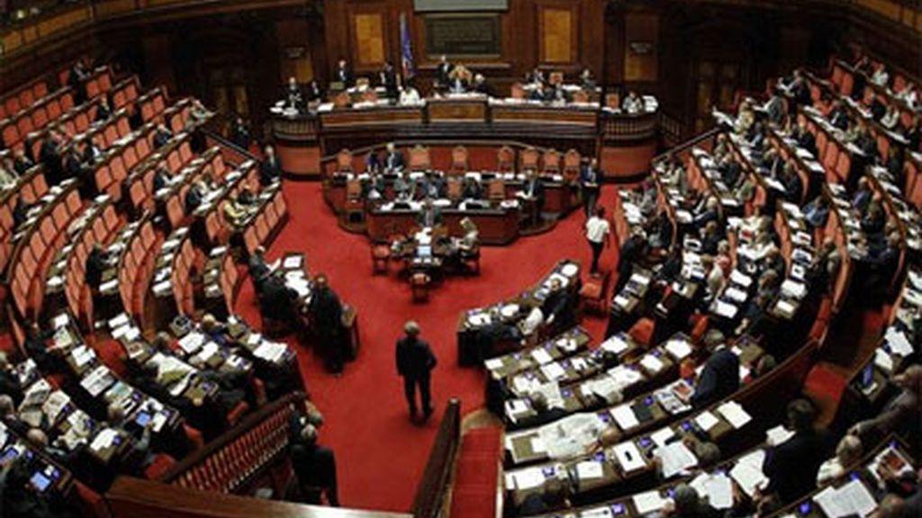 El Senado italiano aprueba el plan de austeridad de Berlusconi