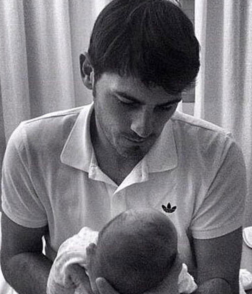 Iker Casillas presenta a Martín