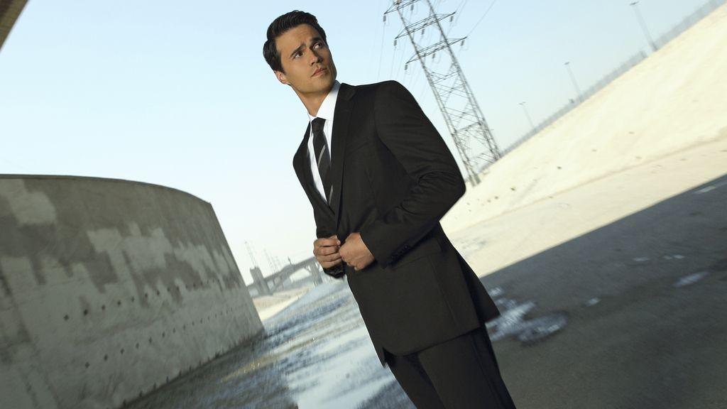 Brett Dalton es el agente Grant Ward