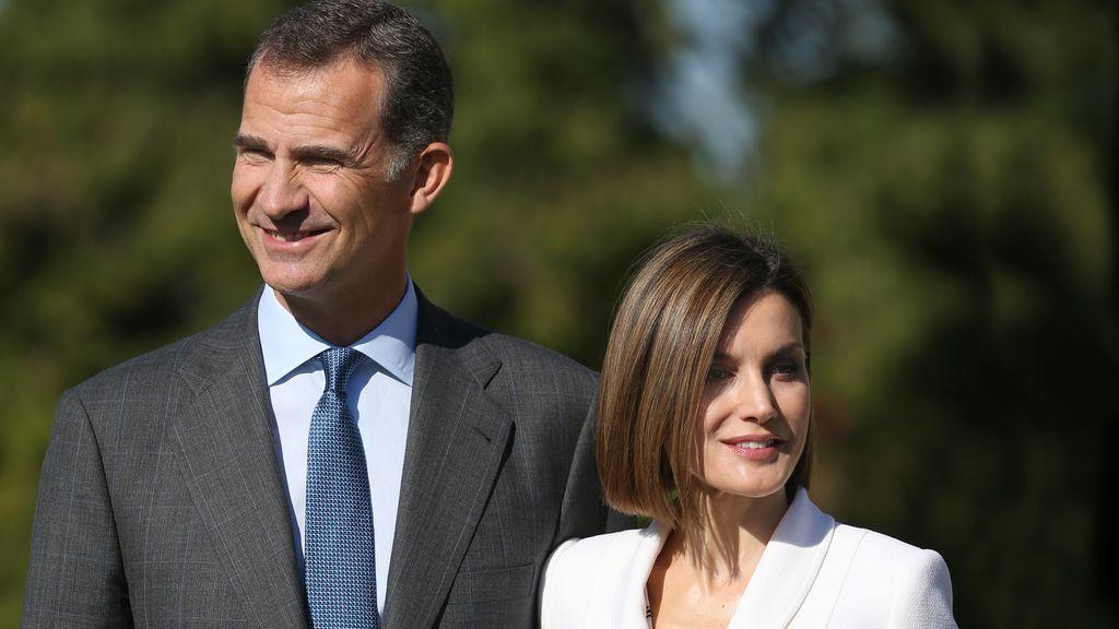 Don Felipe y doña Letizia visitan el panteón y la residencia de George Washington