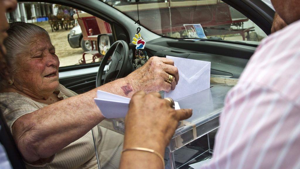 En coche a votar