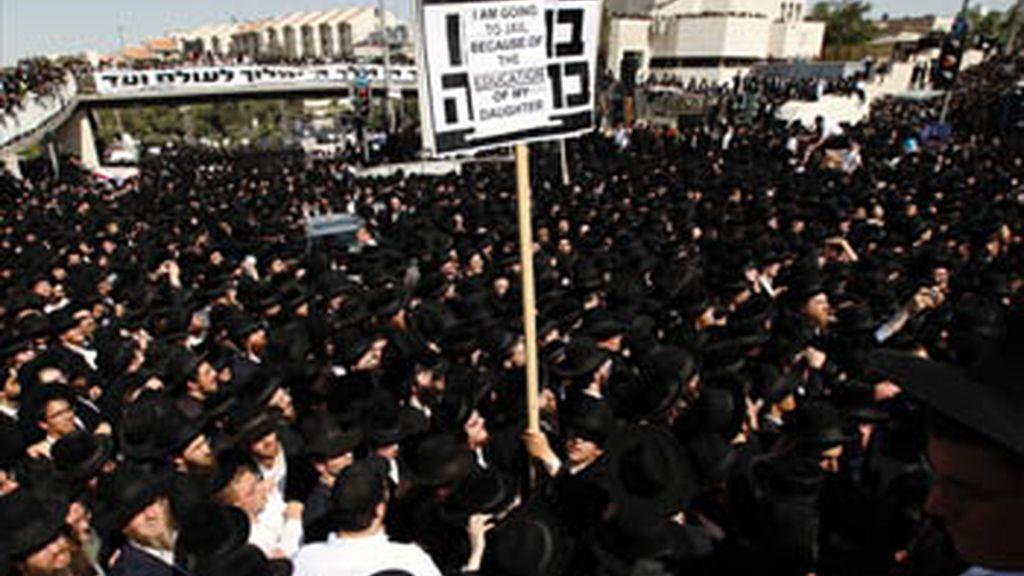 Los judíos ultraortodoxos toman las calles de Jerusalén contra una sentencia judicial