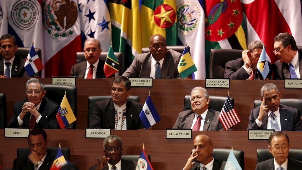 Varios líderes durante la VII Cumbre de las Américas