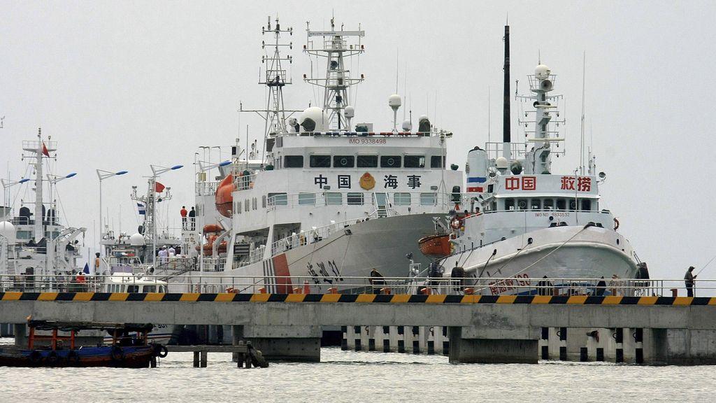 Cinco países, 40 barcos y 22 aviones buscan alguna pista del avión desaparecido