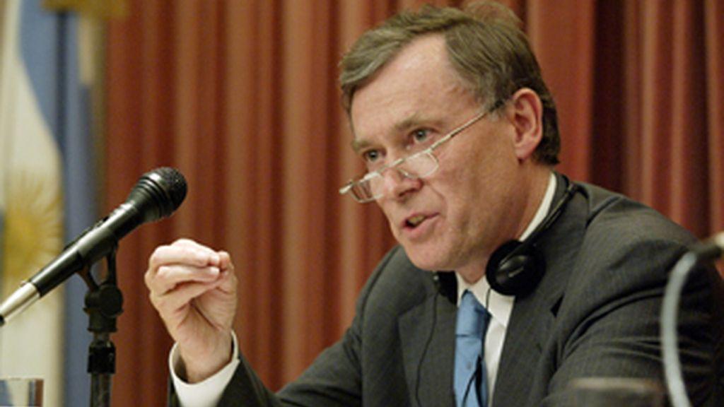 Horst Koelher dimite tras unas polémicas declaraciones