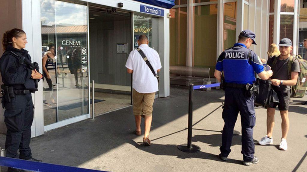Falso aviso de bomba en un aeropuerto de Ginebra, todo por evitar el viaje de su marido