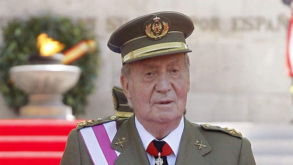 """El Rey expresa su """"gratitud"""" por la """"extraordinaria labor"""" de Fuerzas Armadas"""