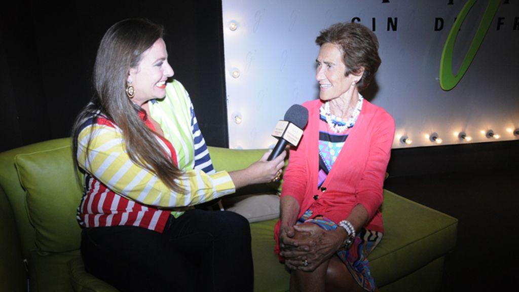 María Arcas entrevistando en el kissing room a Covadonga O´Shea