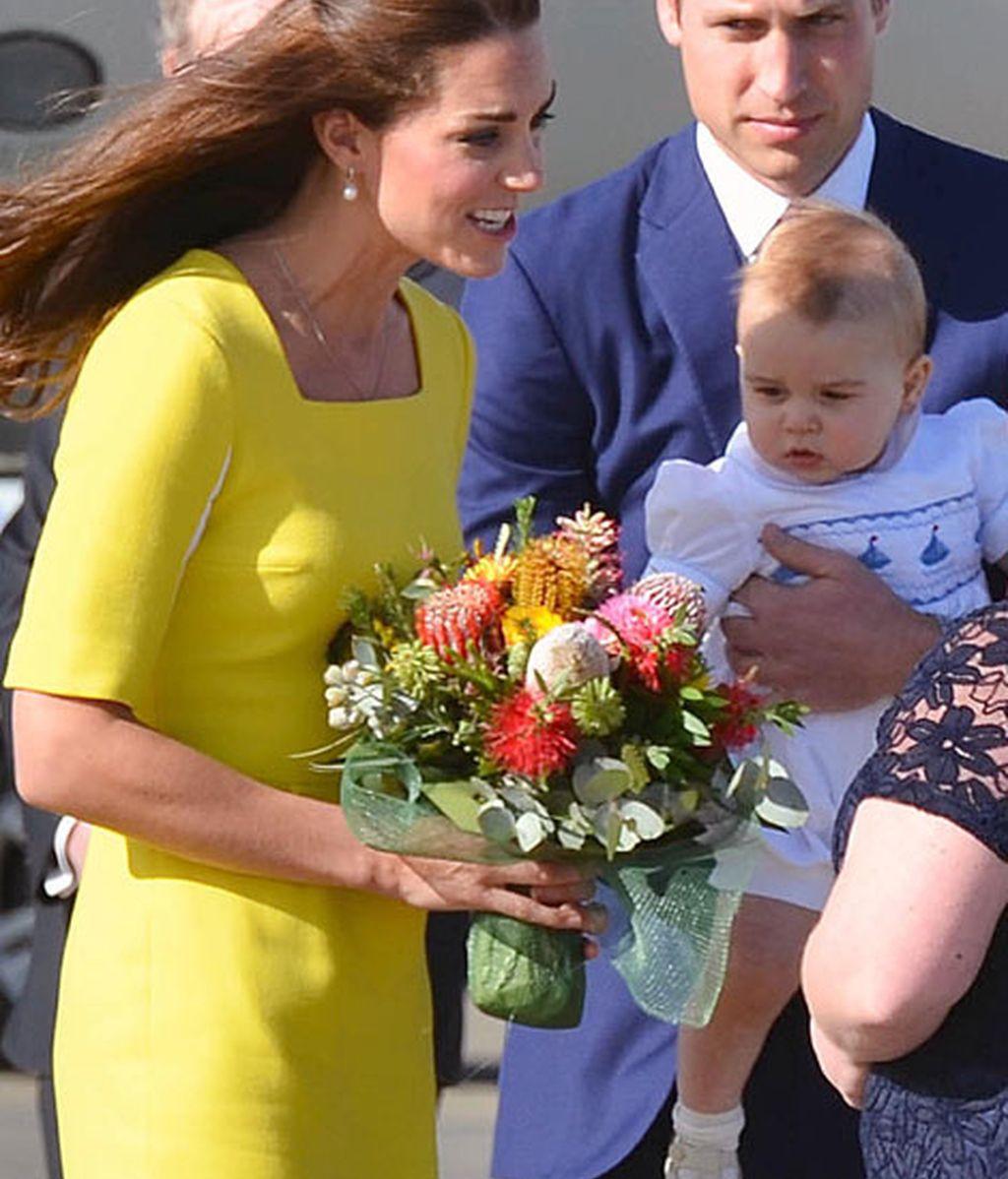 Para su llegada a Sidney ha escogido un diseño amarillo de Roksonda Ilincic