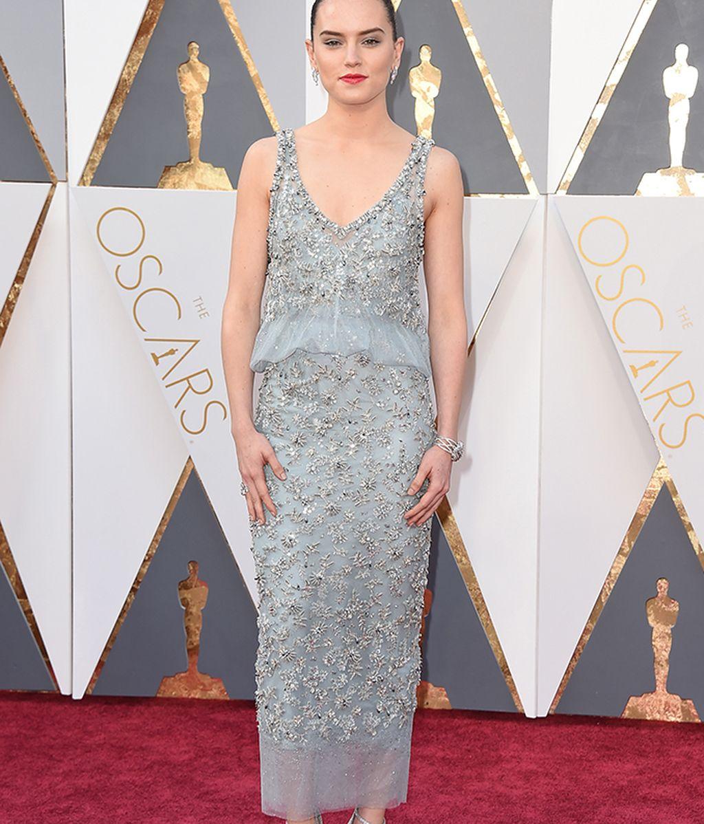 Daisy Ridley vestida de Chanel