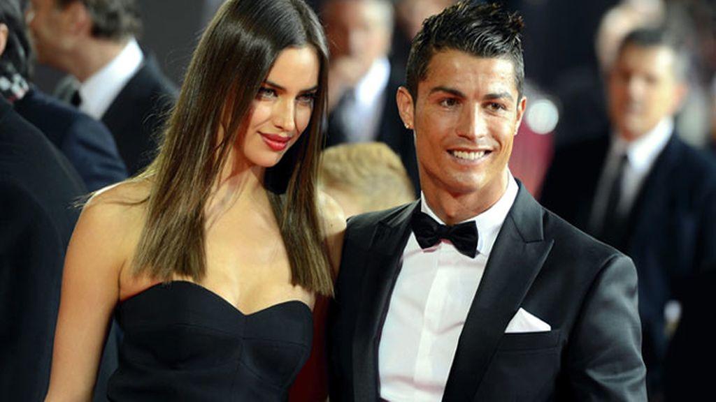 Cristiano Ronaldo e Irina Shayk a su llegada a la gala del Balón de Oro
