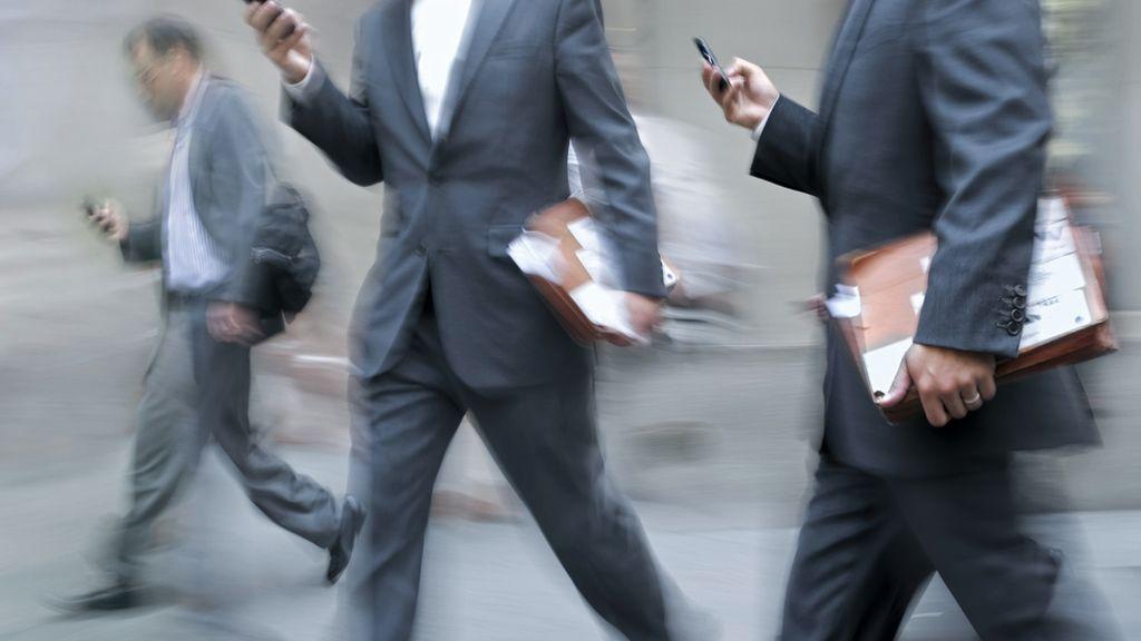 El envío de mensajes a través de móviles se ha disparado con la llegada de los servicios de correo y mensajería instantánea.