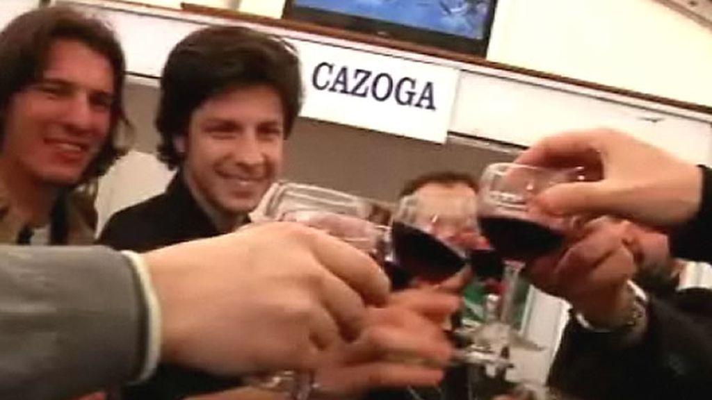 El vino y los brindis siempre presentes en las fiestas populares