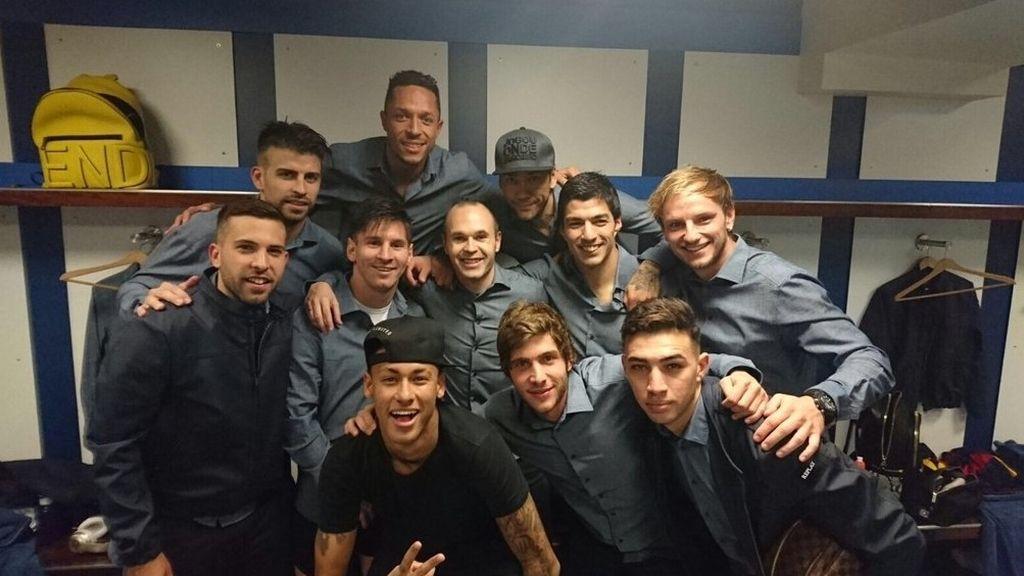 Los jugadores del Barcelona celebran el 0-4 en Twitter