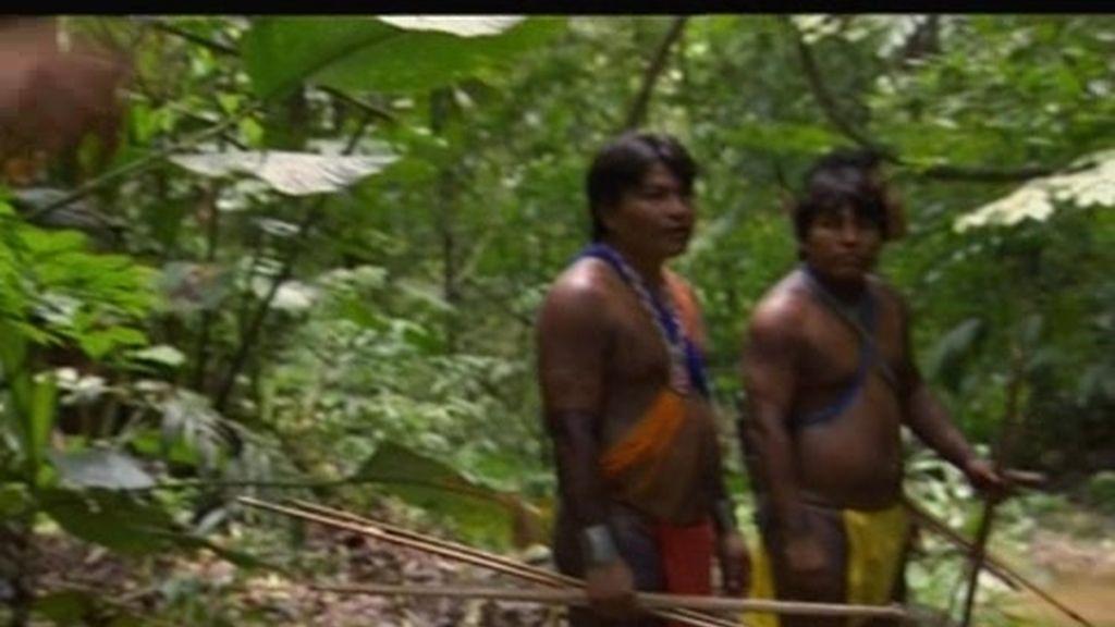 Panamá: ¿Acertará Bear Grylls con el arco y la flecha?