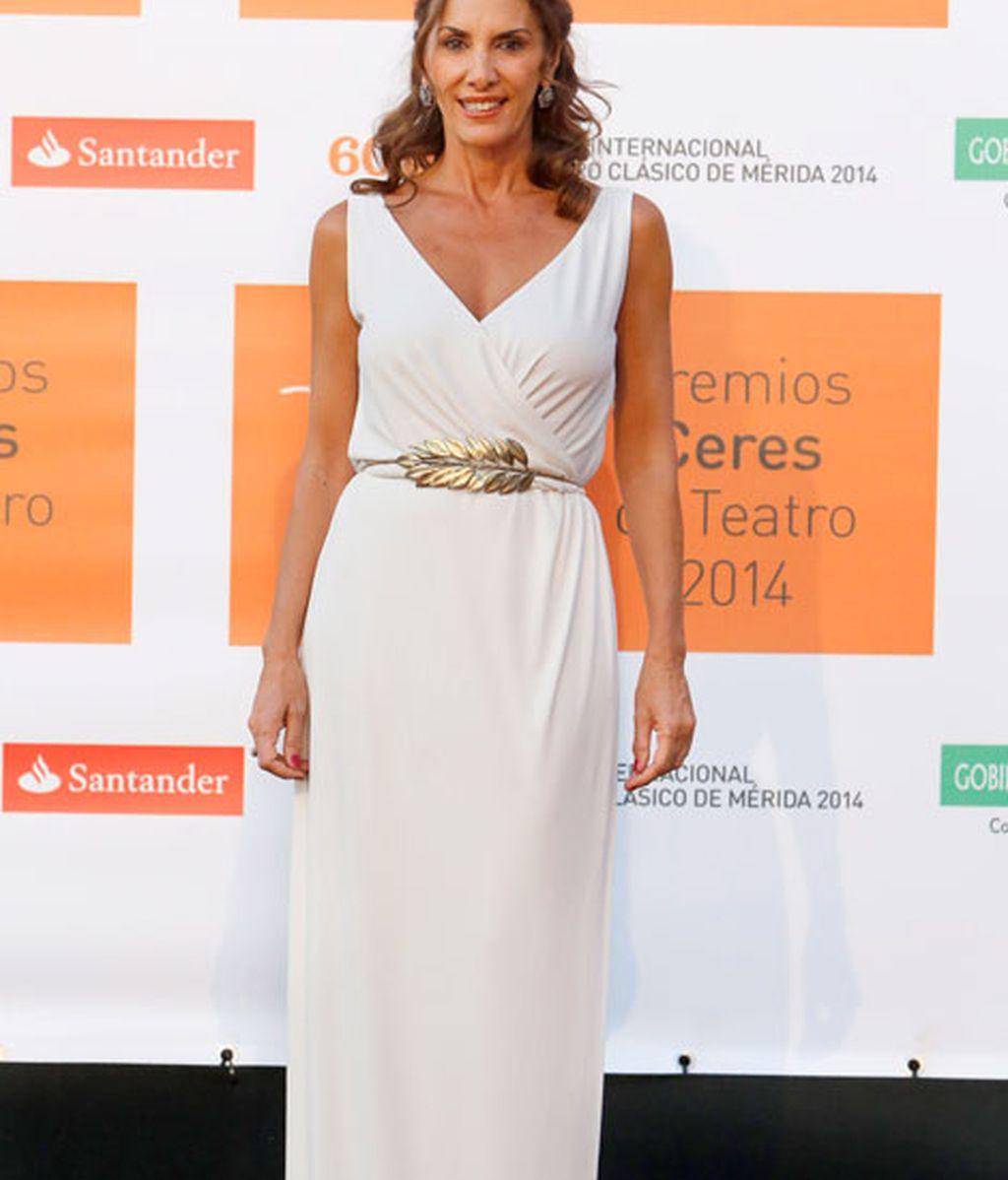 Pastora Vega convertida en una diosa del olimpo en los premios Ceres