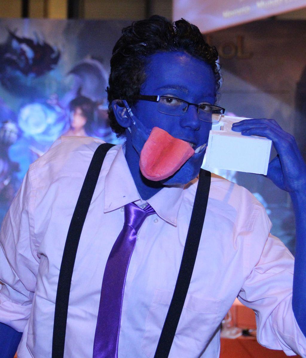 Dr. Mundo cosplayeado con su skin de ejecutivo