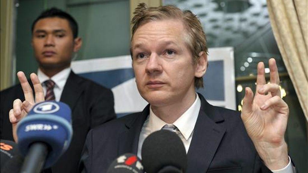 Imagen de archivo del fundador de Wikileaks, Julian Assange, durante una rueda de prensa el 4 de noviembre de 2010.  EFE/Archivo