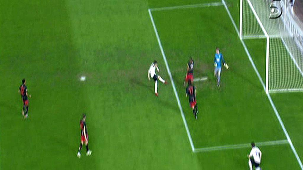 Anulan el gol de Villa por fuera de juego
