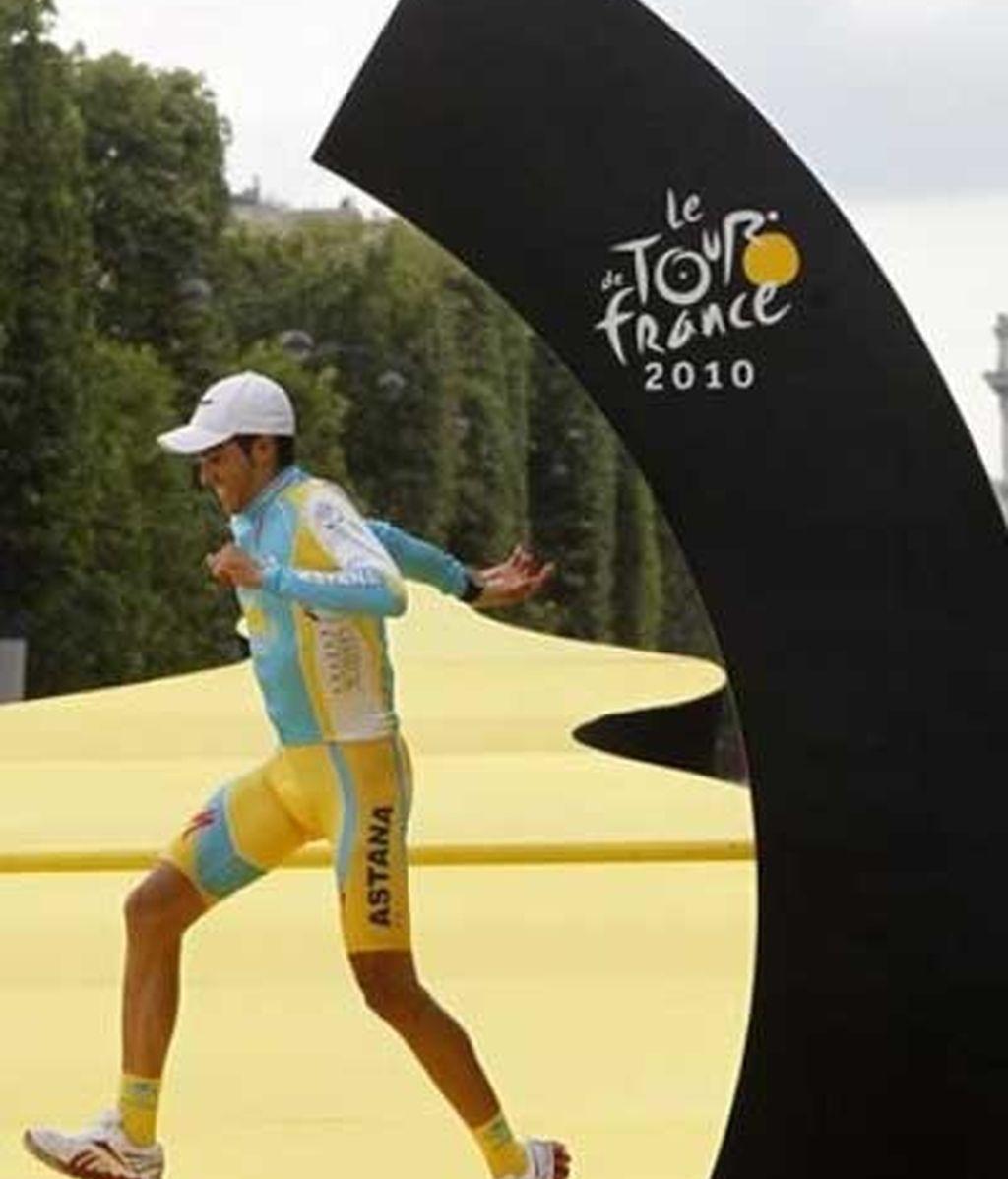 Contador, más cerca de la leyenda