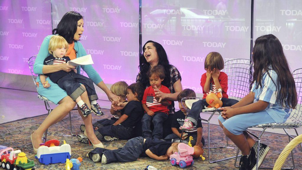 La octomom en una de sus apariciones en televisión con sus octillizos. Foto:GTRES