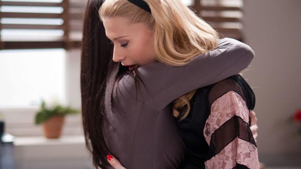 Juana e Isabel se reconcilian