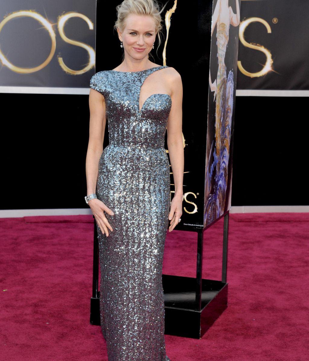 Naomi Watts, de Armani, nominada a mejor actriz por 'Lo Imposible'