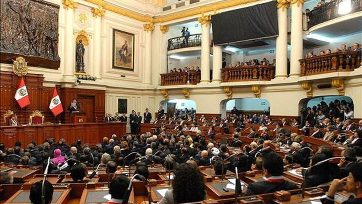 Tras un debate de más de cinco horas, la medida fue adoptada con 57 votos a favor, 47 en contra y una abstención. EFE/Archivo
