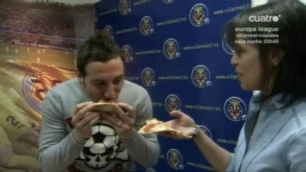 """Cazorla nos confiesa que el Villarreal quiere """"comerse"""" al Nápoles"""