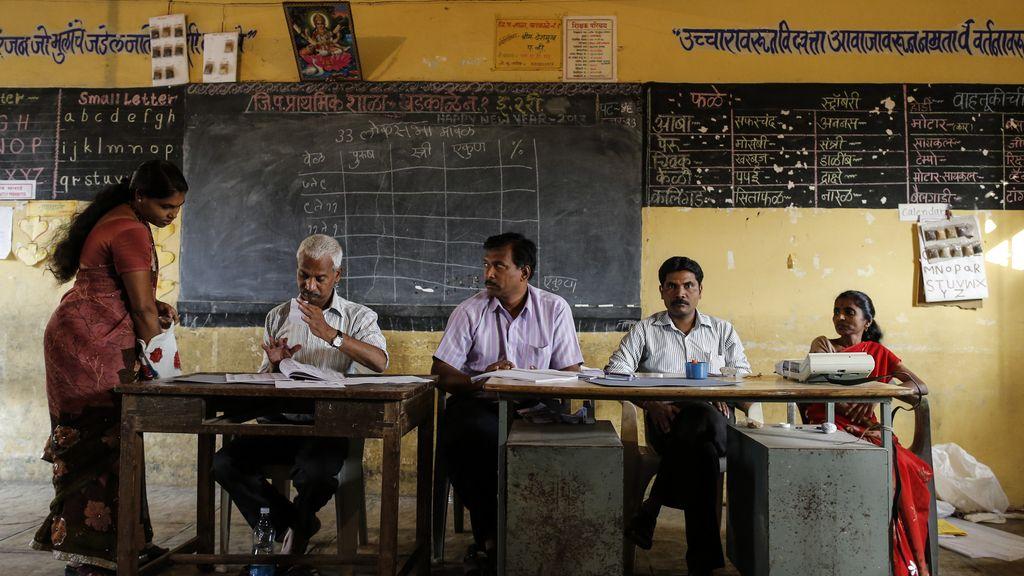 India celebra la mayor jornada electoral, con 195 millones de indios llamados a las urnas