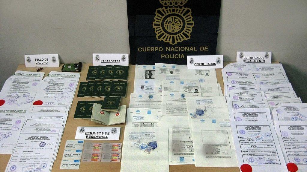 Diez detenidos y 27 imputados por regularizar ilegalmente a inmigrantes