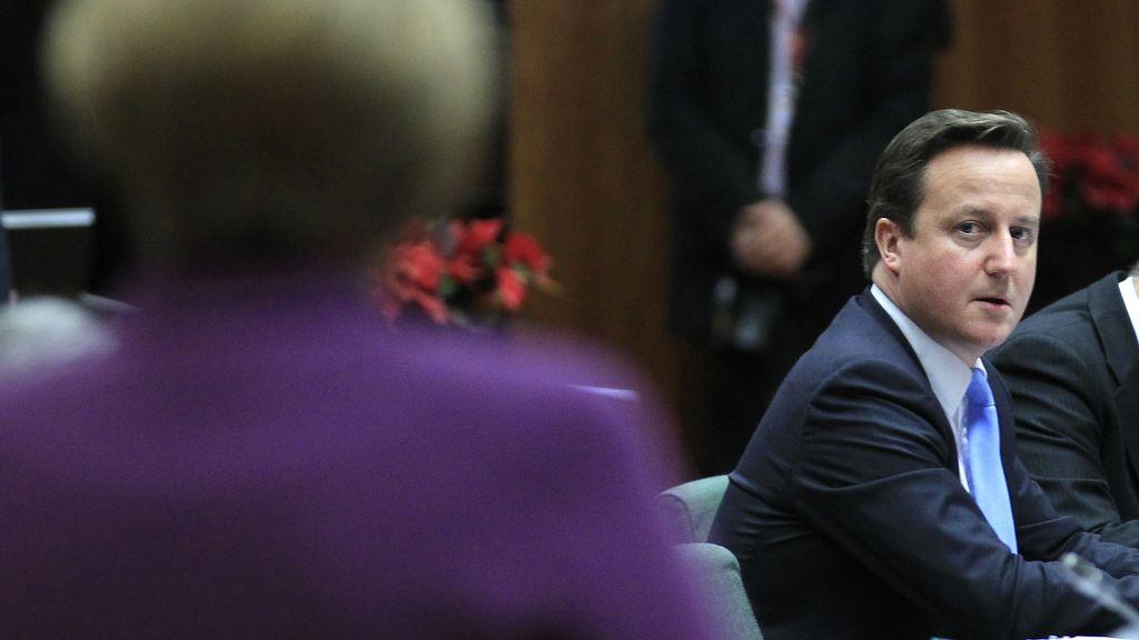 David Cameron, ante Angela Merkel