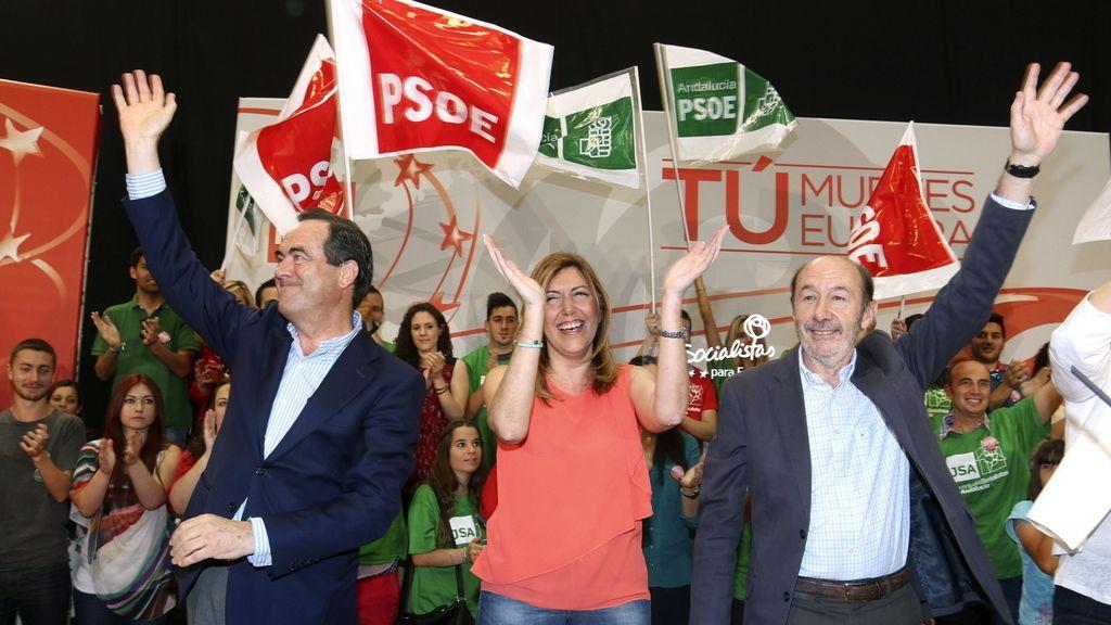 Rubalcaba asiste a un acto del PSOE en Almería
