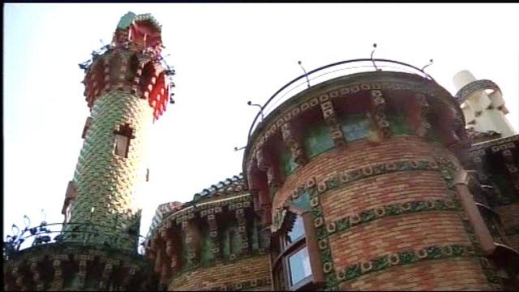 Edificios singulares: El Capricho de Gaudí no está en Barcelona ni en Cataluña