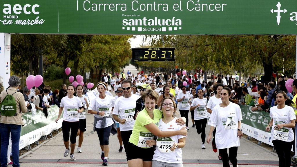 Meta de la Carrera en Macha contra el Cancer en Madrid