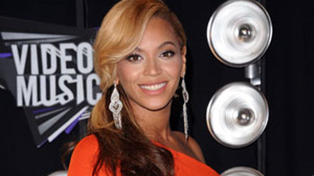 Beyoncé anuncia su embarazo en la gala de los premios MTV Video Music 2011. Foto: GTRES