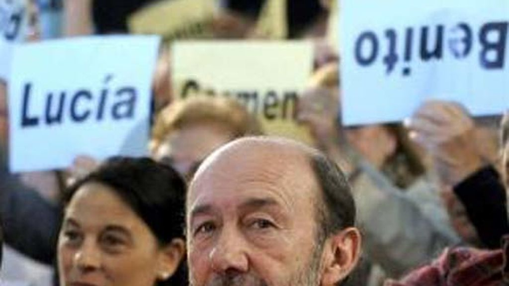 """El vicepresidente primero del Gobierno, Alfredo Pérez Rubalcaba, ha identificado hoy al PP y a su líder, Mariano Rajoy, con """"la derecha de la derecha""""."""