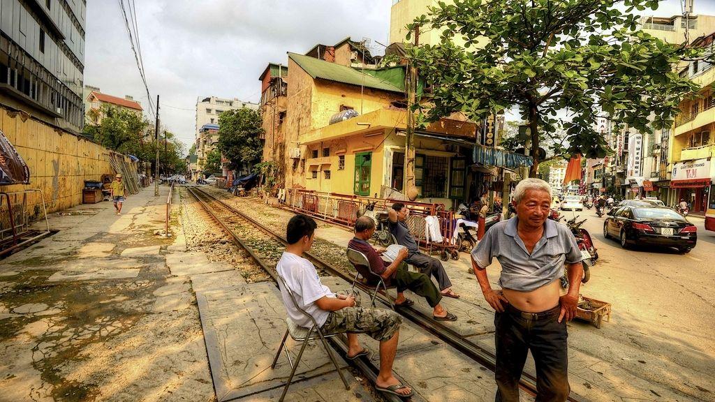 Vietnam, donde el tren es un vecino más