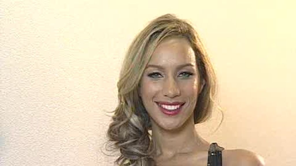 Leona Lewis saluda a Puro Cuatro