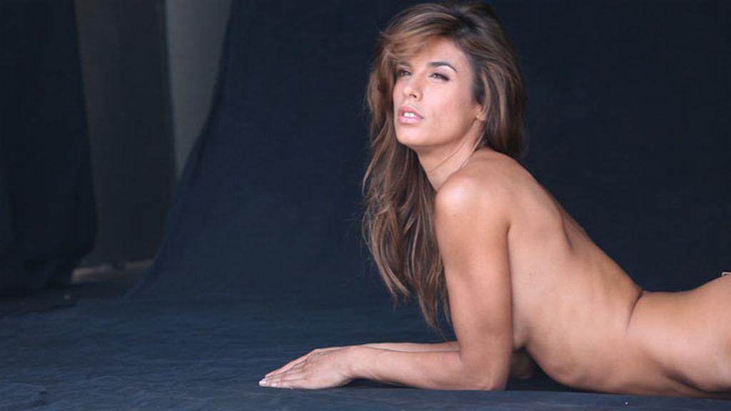 La tierna y sexy Elisabetta Canalis en su sesión de fotos para PETA