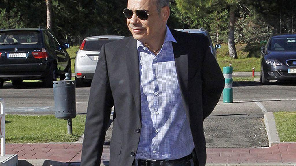 Nacho Abad en el funeral de Pedro Rodríguez