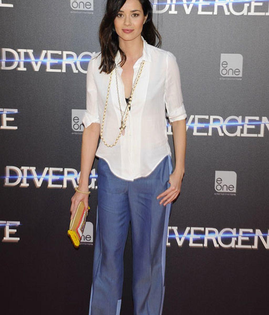 La actriz Dafne Fernández también desiló por la alfombra roja