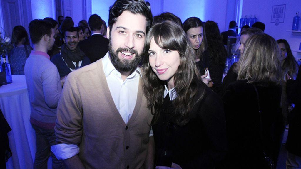 El diseñador Moisés Nieto junto Marta Moreno, de More & More