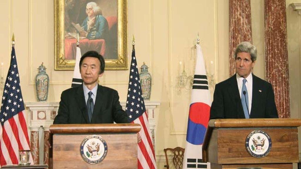 Johny Kerry se reúne con su homólogo de Corea del Sur