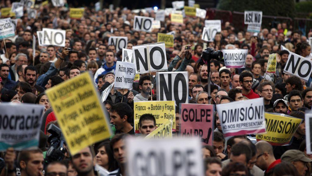 Miles de personas se han concentrado en los alrededores del Congreso para pedir más democracia