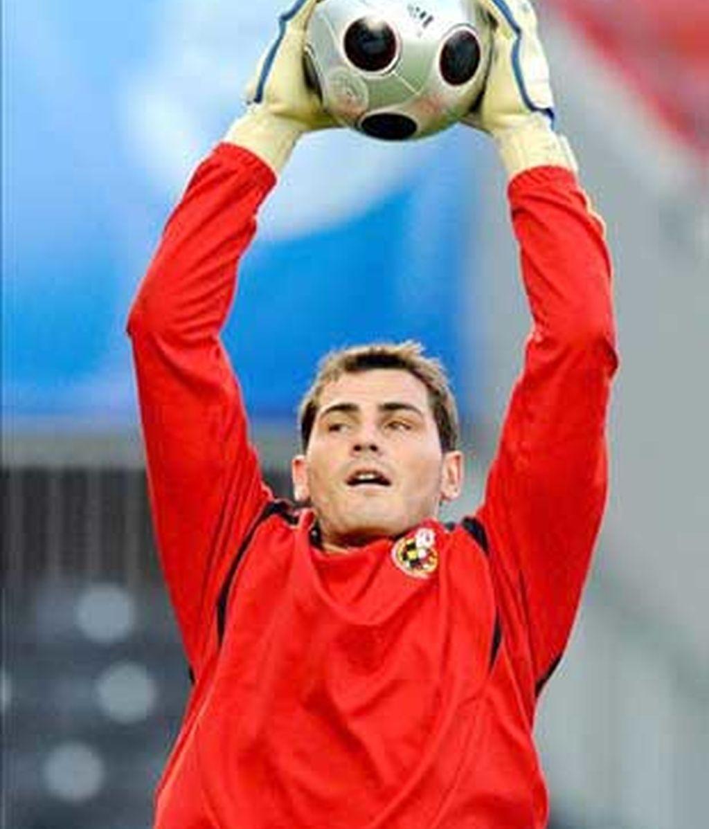 Casillas, durante el último entrenamiento de la Selección. Foto: EFE