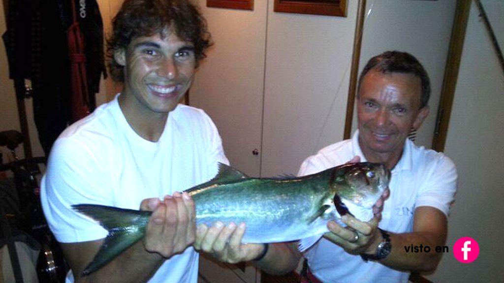 ¡Además de tenista, es buen pescador!