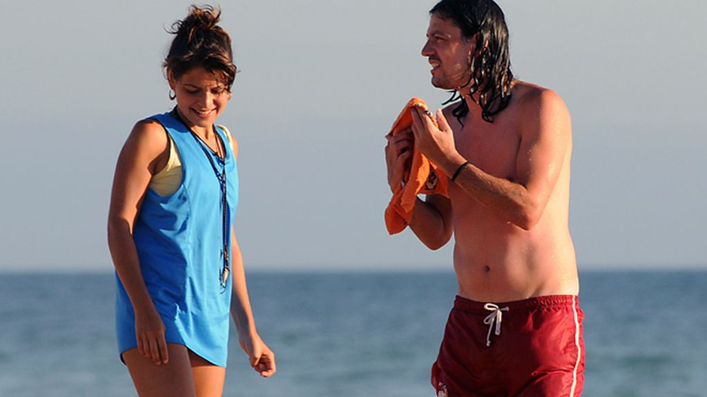 Thaïs Blume con su novio en Cádiz