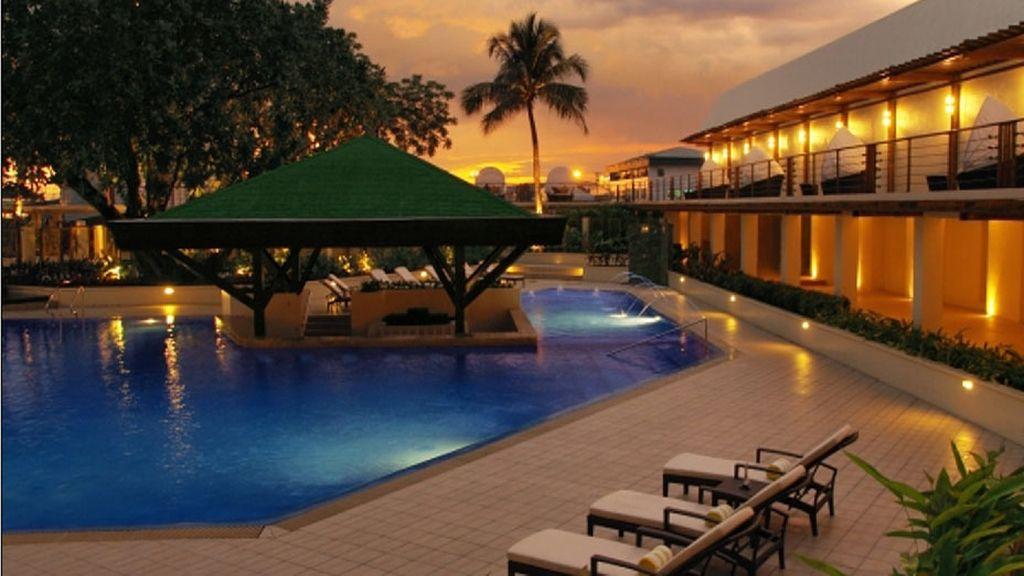 Hotel Manila, Manila
