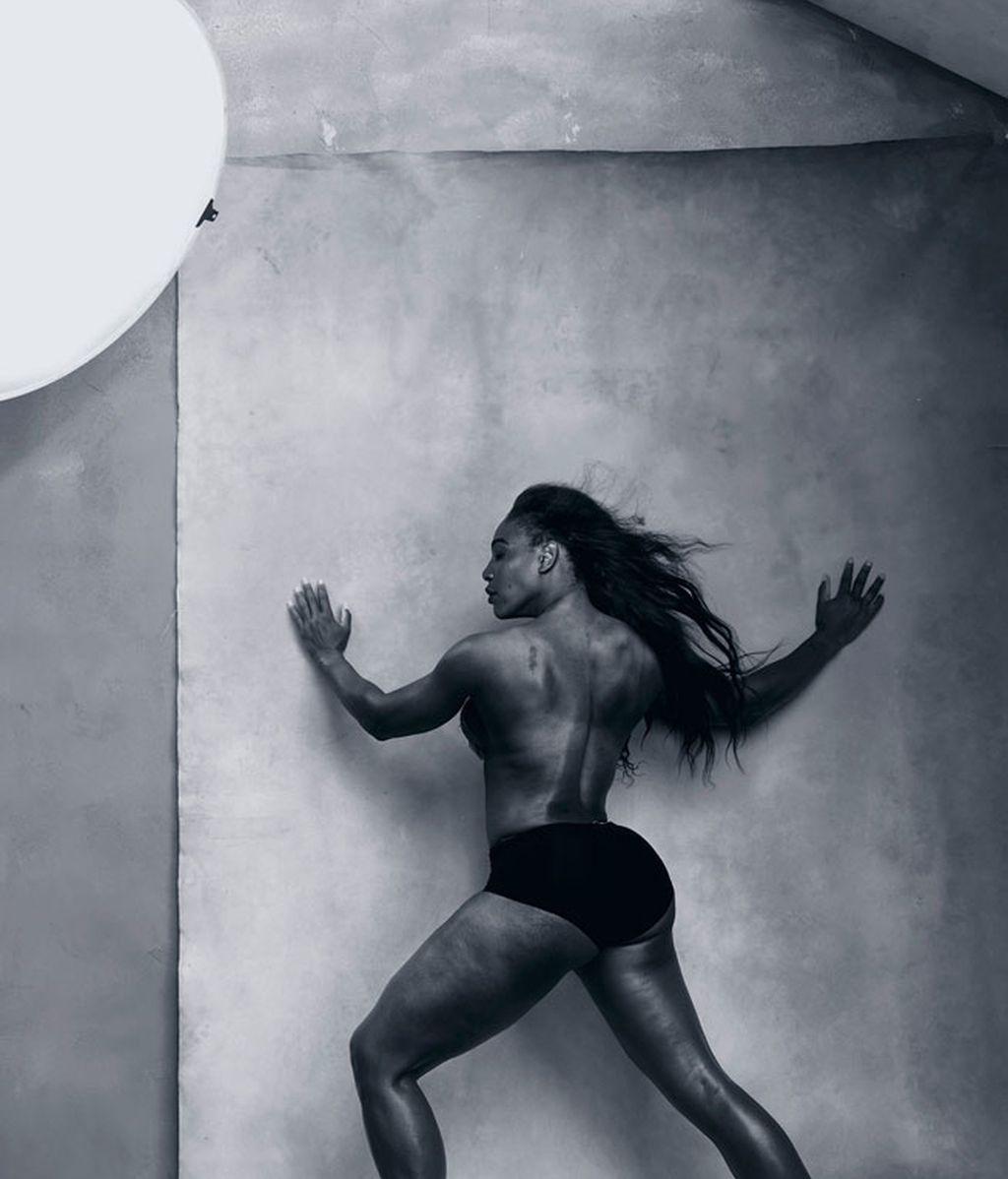 Ha cambiado modelos por pioneras de las artes, el humor y el deporte